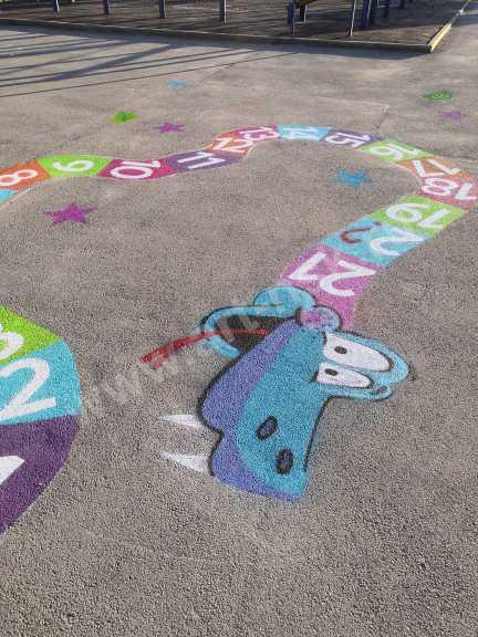 Детская игровая площадка в спортивном центре. Выполнила команда художников Clever_Art54